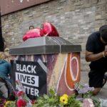Αστυνομικός στις ΗΠΑ πάτησε στον λαιμό μέχρι θανάτου μαύρο Αμερικανό