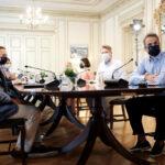 Μητσοτάκης: Δωρεάν μάσκες για τα σχολεία και εμβόλιο για τον πληθυσμό