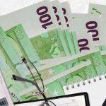 Bloomberg: μισός φόρος εισοδήματος για όσους μεταφέρουν στην Ελλάδα τη φορολογική τους έδρα