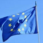 Η ΕΕ προειδοποιεί την AstraZeneca: «Θέλουμε τα εμβόλια»