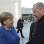Μέρκελ σε Ερντογάν: Στη βάση του Διεθνούς Δικαίου η συζήτηση για τη Μεσόγειο