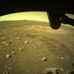 Perseverance: Τα πρώτα «βήματα» στην επιφάνεια του Άρη – Οι φωτογραφίες που έστειλε