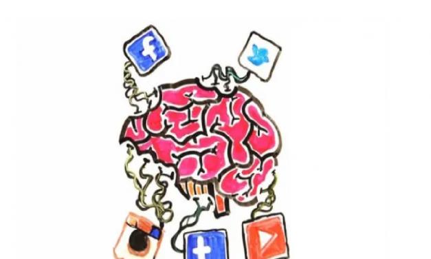 Γιατί, όμως, αναρτάς τις πιο ευτυχισμένες σου στιγμές στα Social Media;