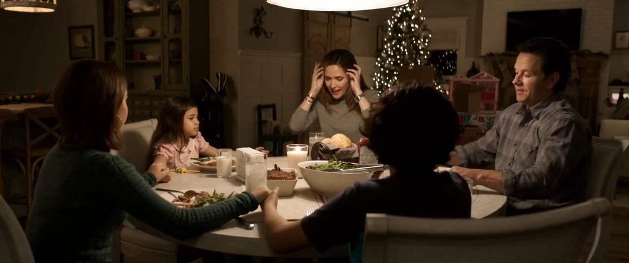 οικογένεια στο τραπέζι